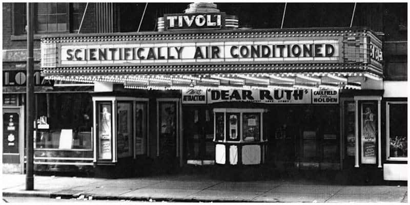 Movie theaters and the development of air conditioning