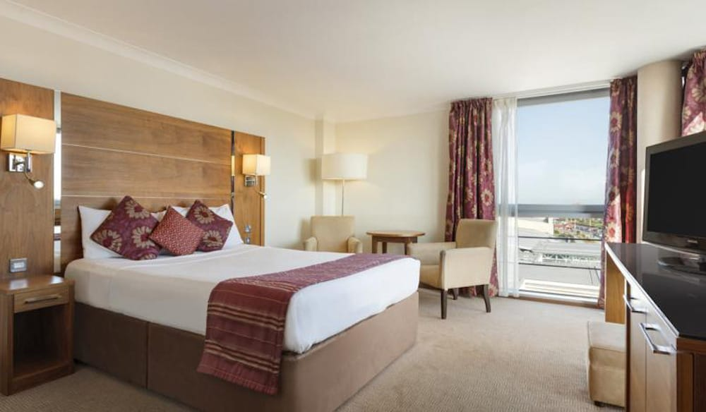 Luxury Room looked after by Kimpton Asset management at The Ramada Plaza Southport.