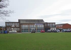 brookfield primary with Passive Ventilation for schools by Kimpton
